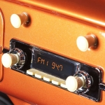 RETROSOUND Autoradio Model Two elfenbein